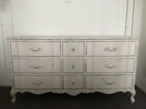 Vintage Antique French Provincial Dresser 9 Drawer