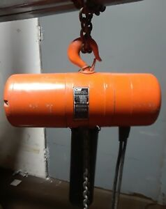 Cm Hoist Model R 2 Ton Electric Chain Hoist 8 F p m 1 Hp With 10 Of Chain