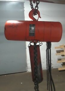 Cm Hoist Model R 2 Ton Electric Chain Hoist 8 F p m 1 Hp With 16 Of Chain
