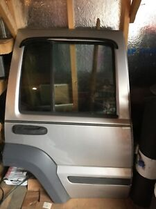 2005 Jeep Liberty Back Right Passenger Door Silver