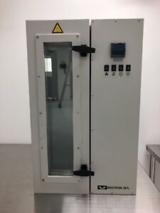 Instron 3119 403 Environmental Chamber