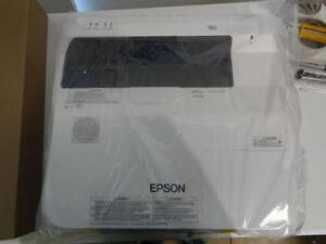 1 New Epson Brightlink 685wi Short throw Interactive Display Projector H823a