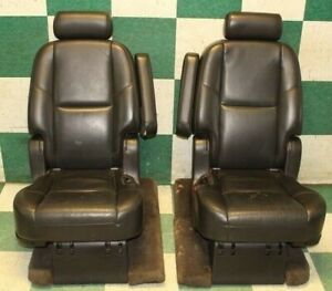 07 14 Yukon Denali Second 2nd Middle Row Captain s Chairs Buckets Seats Headrest