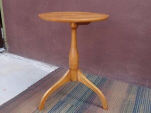 Vtg Signed Cohasset Hagerty Colonial Modern Cherry Wood Side Tea Lamp Hall Table
