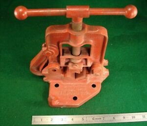 Nice Vtg Reed No 0 Bench Mount Yoke Pipe Vise Grips 1 8 To 2 Bends 1 8 To 3 4
