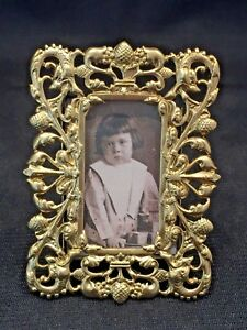 Exquisite Antique Small 2 X 2 5 8 Picture Frame With Great Design