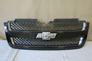 06 07 08 09 Chevy Trailblazer Front Upper Radiator Grille Black W Emblem Oem