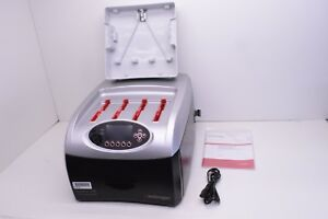 Invitrogen Benchpro 4100 Card Processing Station With Manual And Extra Tray