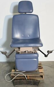 Midmark 319 Power Exam Chair With Foot Switch