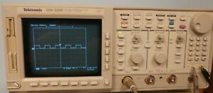 Tektronix Tds520b 500mhz Bw 1gs s Ddigital Scope With Option 1f 1m