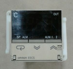 Omron E5cs Temperature Controller With P3ga 11 Base Socket 032a11