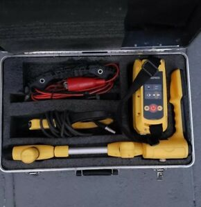Metrotech Vivax Vm810 Locator And Transmitter Cable Pipe Locator