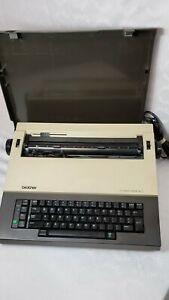 Brother Student riter Xl 1 Model Ce 25 Electronic Typewriter With Case Vintage