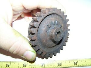 Old 1 1 2hp John Deere E Hit Miss Gas Engine Magneto Gear Steam Ignitor E76r