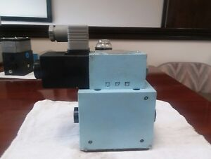 Hagglunds Denison Pilot Operated Hydraulic Check Valve new Unused