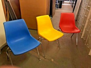 Lot Of 13 Vintage Stacking Chairs By Krueger W Chrome Base