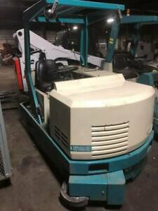 Tennant Model 528 Floor Scrubber reduced Price Only 580 Hours