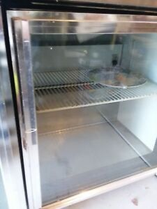 Glass Door Refrigerator Nsf 32 Cooler By True