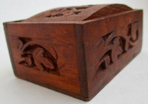 Vtg Detailed Carved Foliage Wooden Small Vanity Trinket Jewelry Box W Arched Lid
