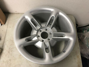 2003 2004 2005 2006 Chevrolet Ssr 20x10 Oem Factory Rear Wheel Ultra Silver