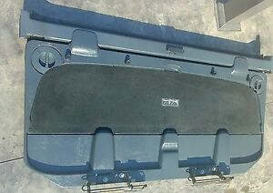 2002 2006 Chevy Avalanche Midgate And Latch Bar Dark Gray Clean