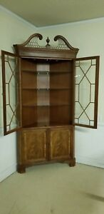 Stickley Flame Mahogany Chippendale Style Corner Cabinet With Inlay