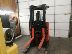 2016 Toyota Reach Truck fork Lift 9bru18 Electric Very Good Condition low Hours