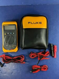 Fluke 16 Multimeter Excellent Soft Case Extras