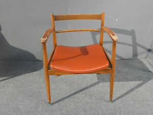 Vintage Danish Mid Century Modern Orange Vinyl Peg Leg Accent Chair