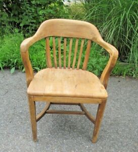 Banker Lawyer Attorney Arm Chair Vintage Delivery Possible Kitchen Desk