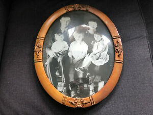 Vintage Convex Glass Oval Ornate Wooden Picture Frame Cute Smaller Size