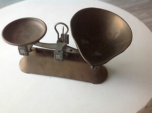 Vintage English Balance Scale With Diecast Base Weights 2 Lb