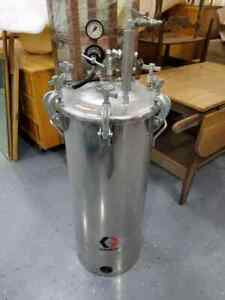 Nice Used Graco 236151 High Pressure Pot 15 gallon Stainless Steel Feed Tank