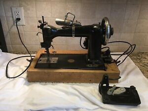 Antique Late 1880 S Wheeler And Wilson D 9 Sewing Machine In Case W Pedal