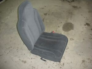 01 02 03 Dodge Dakota Passenger Front Bucket Seat Gray Cloth Manual Quad Cab