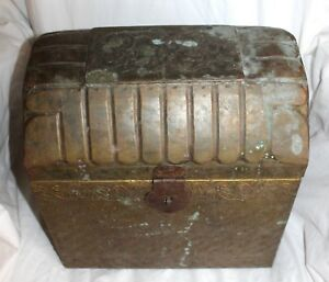 Antique Vintage Wood Metal Embossed Miniture Children S Camel Back Trunk