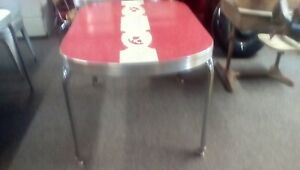 Rare Vintage Dinette Table 50s Red Rose Pattern