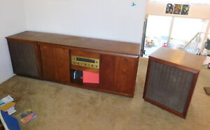 Mid Century Modern Barzilay Walnut Stereo Cabinet Console Credenza Speakers