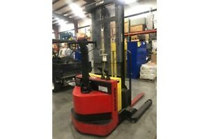 Raymond 4 000 Lb Capacity Ride Behind Forklift Order Picker Walkie Stacker