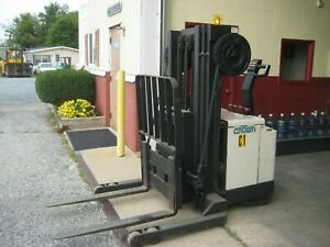 Crown Electric Walkie Reach Stacker Forklift 3000lb