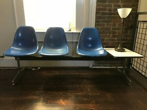 Vintage Herman Miller Eames Tandem Base With 3 Fiberglass Chairs And Table Set 1