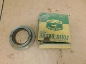 John Deere Unstyled B Tractor Nos Rear Axle Bearing Spacer B347r 14294