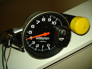 Autometer Sport Comp With Shift Light