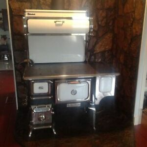 Heartland Wood Burning Cook Stove Pre Owned But Used Very Little