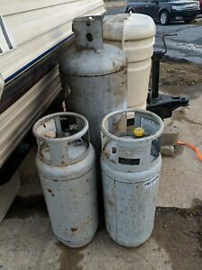 Forklift Lpg Steel Lp Propane Tank And One 100 Lb Tank Sold As Is Local Pick Up