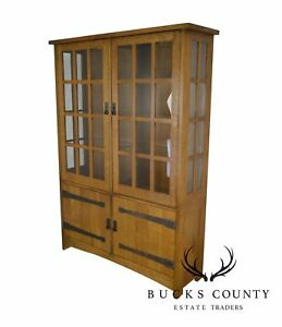 Stickley Mission Collection Oak China Cabinet