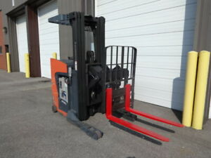 2013 Toyota Reach Truck 3 500 Pound Capacity Model 8bru18 Low Hours