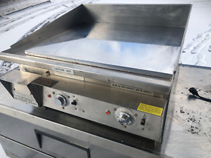 Keating 2 Ft Ele Miraclean Chrome Plated Flat Top Mirror Clean Restaurant Grill