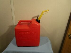 Vintage P60 Chilton 6 Gallon Pre Ban Vented Gas Can With Spout