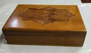 Folk Art Design Hand Tooled Wood Hinged Trinket Box 5 X 7 5 X 2 319